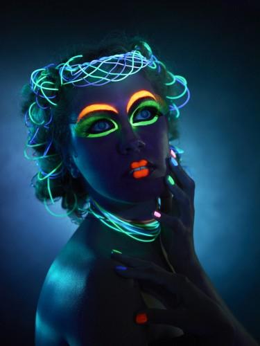 maquilla neon