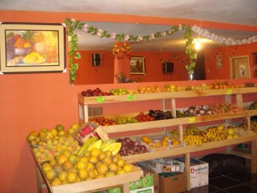 Vendo muebles para fruteria moderna estilo Español - Ecuador en Venta