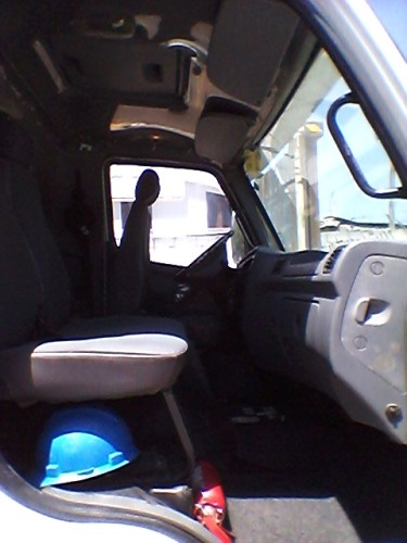 Camión MERCEDES-BENZ ACCELO 915C de venta en Quito
