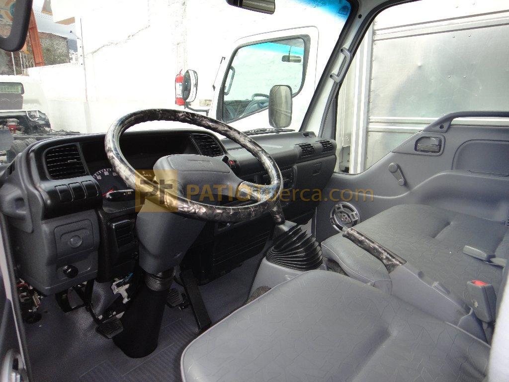 Camión Chevrolet NHR de venta en Ambato