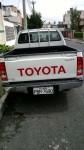 Camioneta doble cabina Toyota Hilux 2.7 4x2