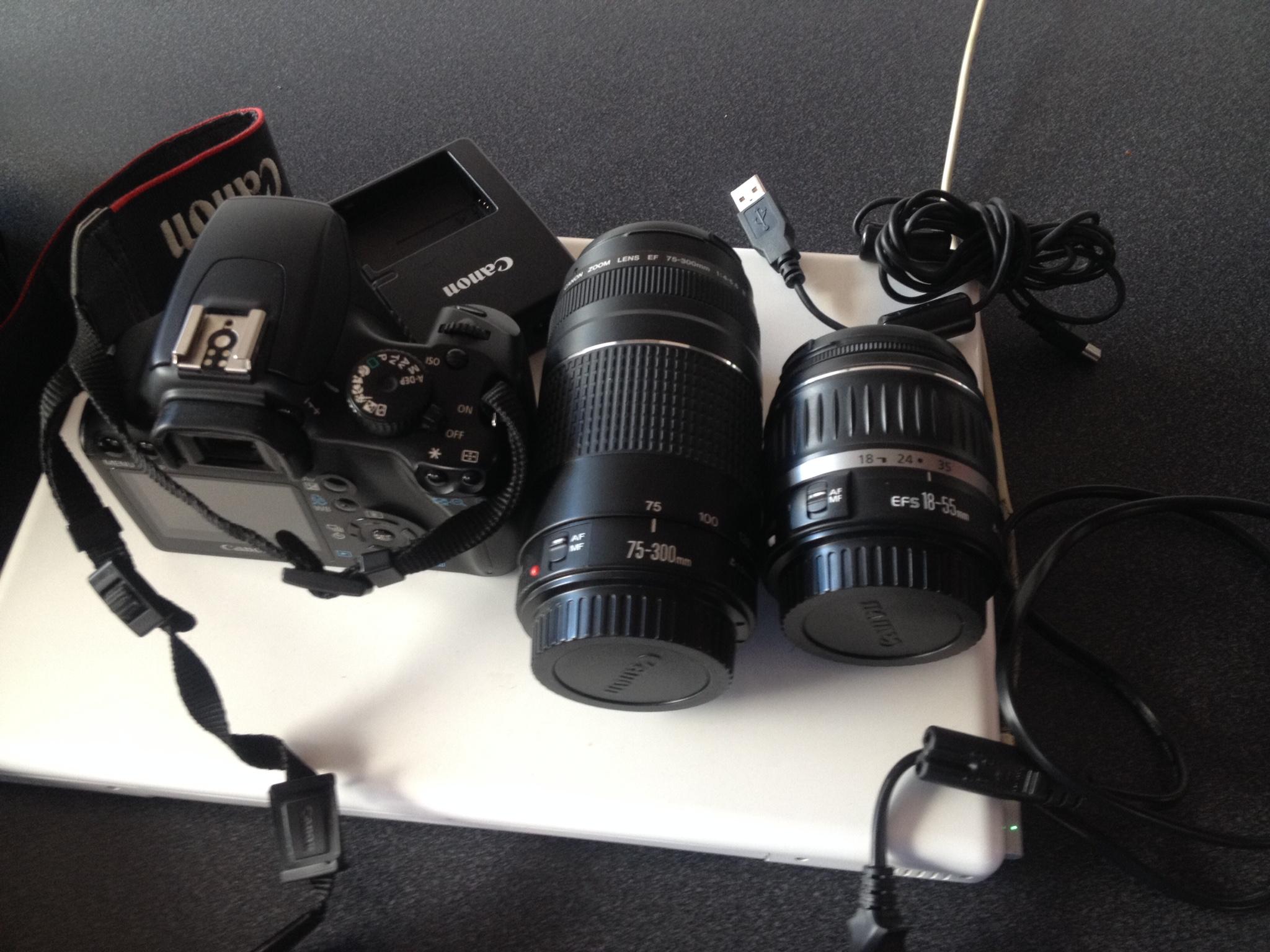 Vendo Cámara Fotográfica Canon EOS1000D