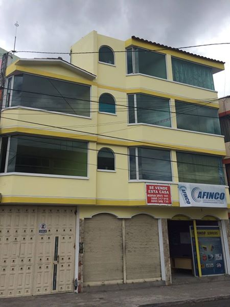 Se vende una casa rentera 3 pisos