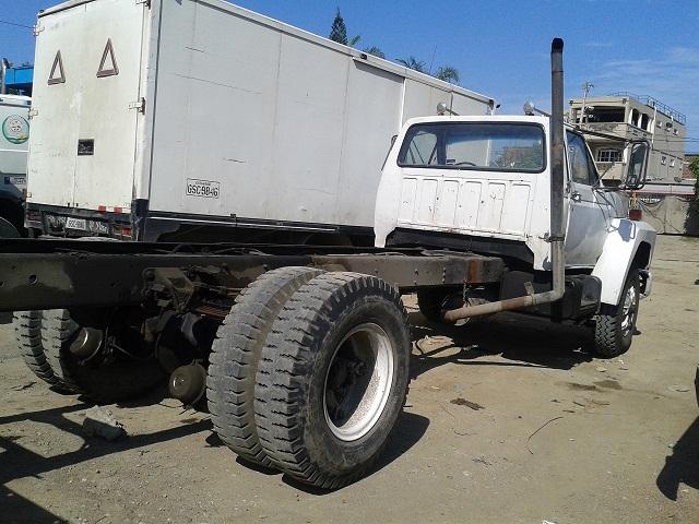 camión Ford 700 en venta