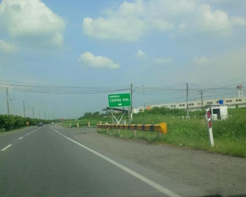 terrenos en la vía Durán - Boliche