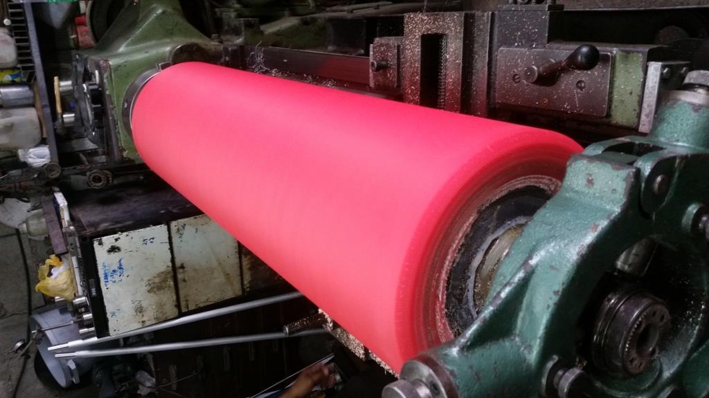 Rodillo-barnizador-revestido-en-poliuretano